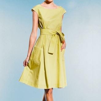 Robe vacances romaines pop couture - Patron gratuit robe de chambre femme ...