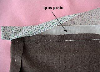 Ceinture avec gros-grain sur une jupe ou un pantalon