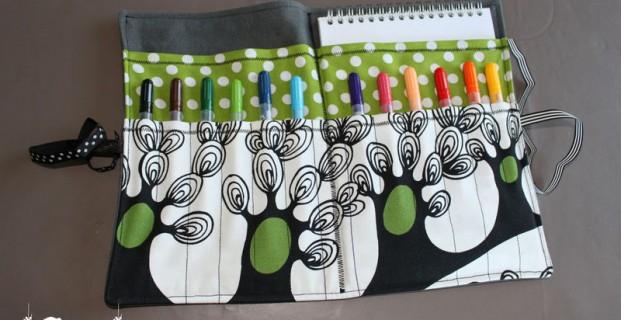 Trousse à crayons et bloc-dessin