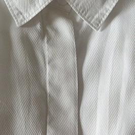 Boutonnage caché avec sous-patte