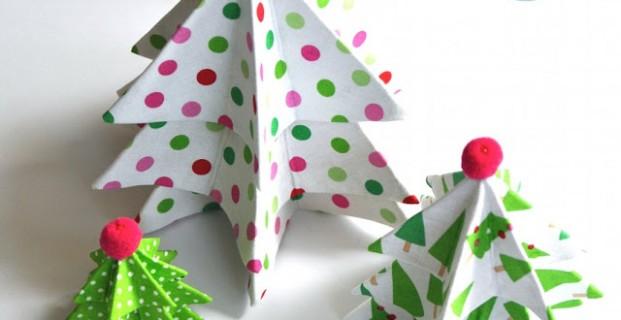 Petits sapins en tissu et papier