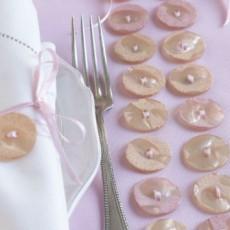 Set de table avec boutons en nacre