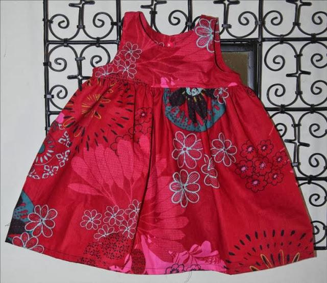 tuto robes fronces intemporels pour b b pop couture. Black Bedroom Furniture Sets. Home Design Ideas
