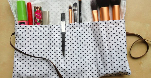 Trousse à maquillage compartimentée