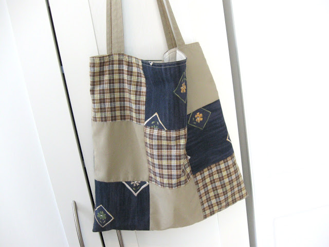 fabriquer un sac patchwork avec des tissus r cup r s pop. Black Bedroom Furniture Sets. Home Design Ideas