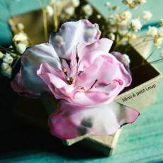 Broche fleur en tissu
