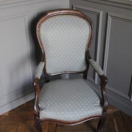 Retapisser un vieux fauteuil