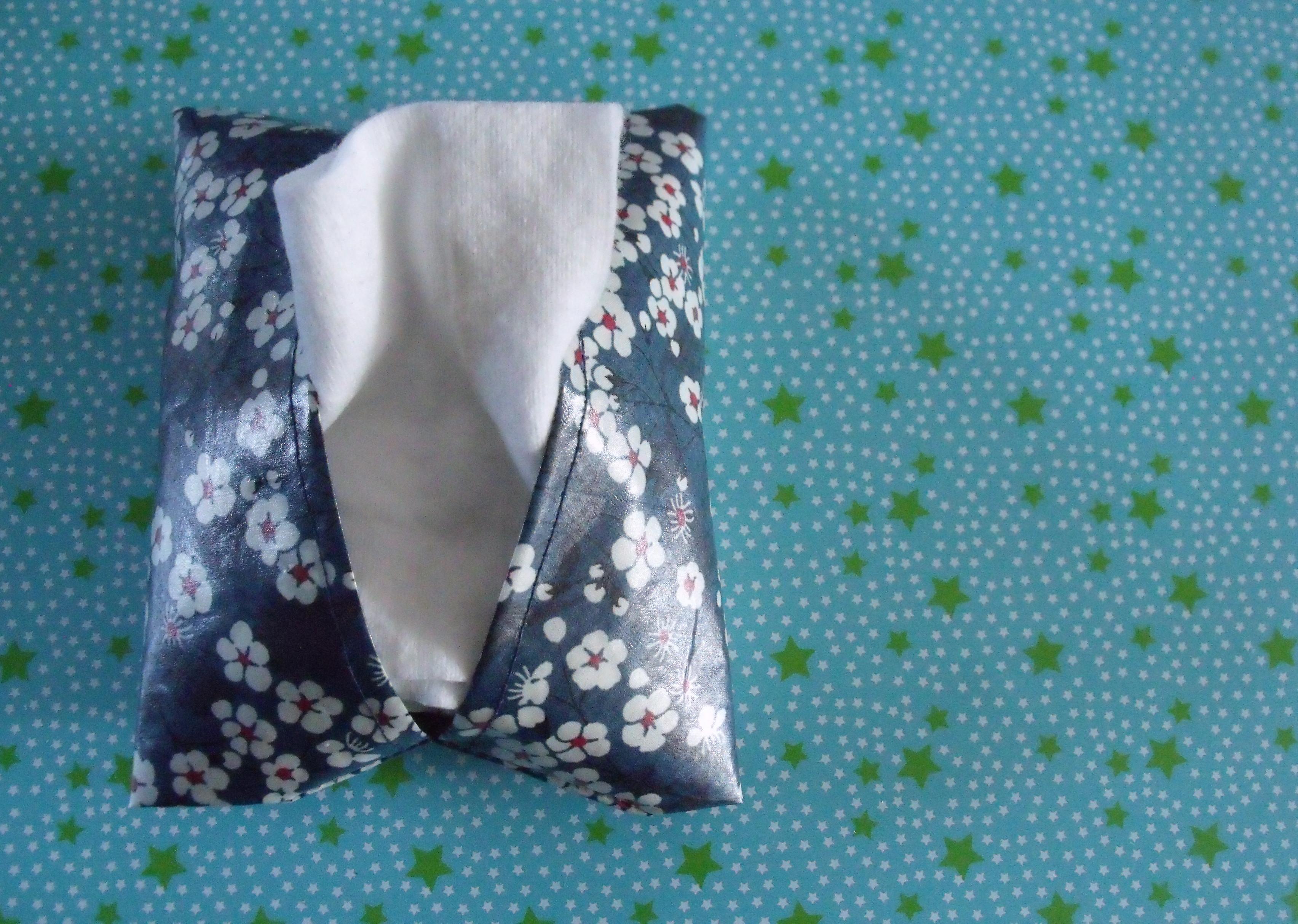pochette pour ranger les carr s de coton pop couture. Black Bedroom Furniture Sets. Home Design Ideas