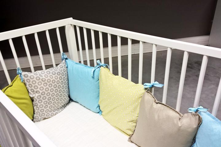 Tour de lit douillet pop couture - Tuto tour de lit bebe ...