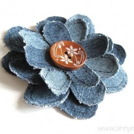 Fleurs en jeans