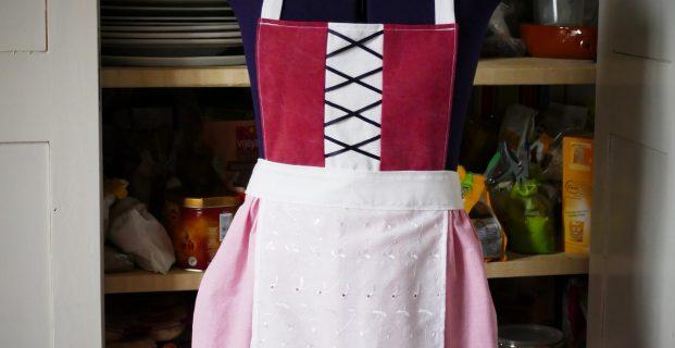 Tablier façon «costume traditionnel» pour enfant