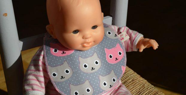 Bavoir pour poupée ou poupon
