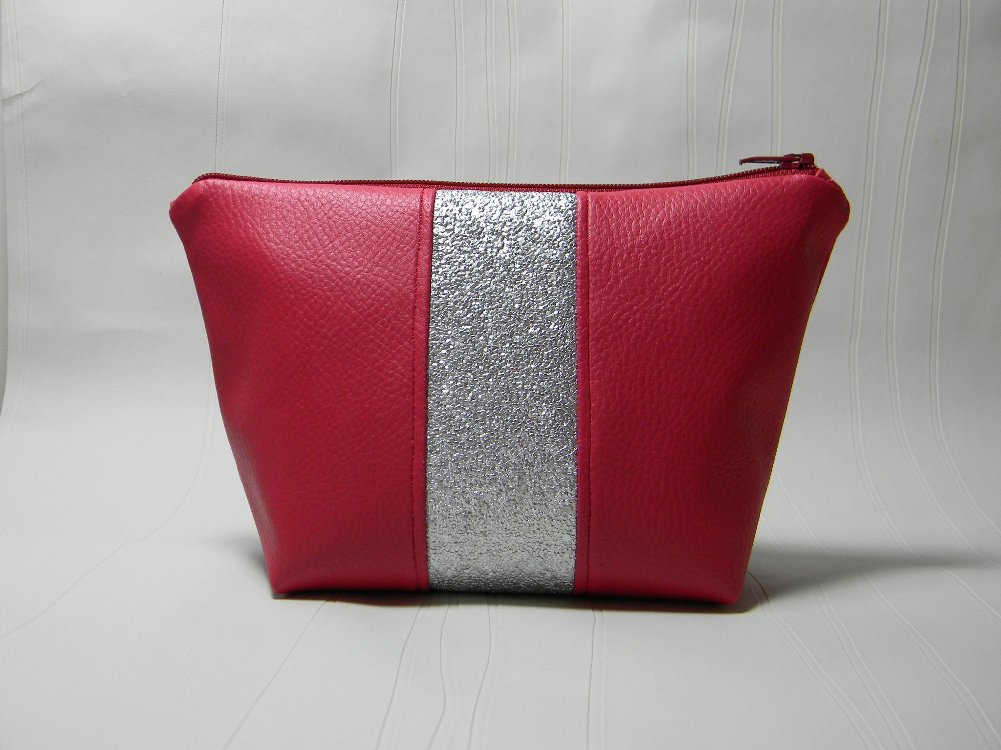 Trousse trap ze bande paillet e en simili cuir pop couture for Trousse couture cuir