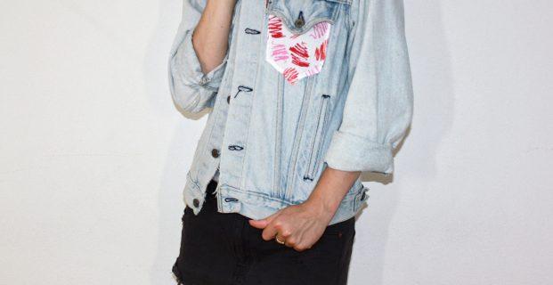 customiser sa veste en jean avec une poche pop couture. Black Bedroom Furniture Sets. Home Design Ideas