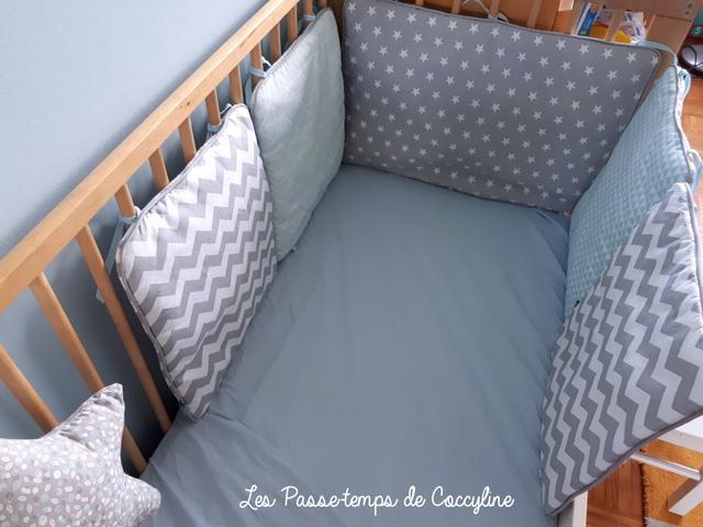 Tour de lit scandinave avec passepoil pop couture - Comment mettre le tour de lit ...