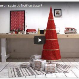 Grand sapin de Noël en tissu