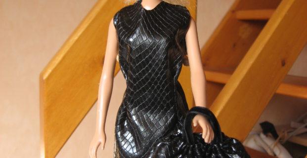 Petite robe noire pour Barbie