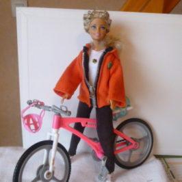 Tenue de sport pour poupée Barbie