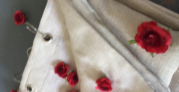Tête de rideaux à œillets