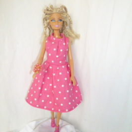 Robe à pois poupée Barbie