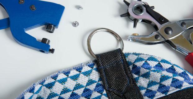 Poser un rivet avec du matériel adapté en 4 étapes