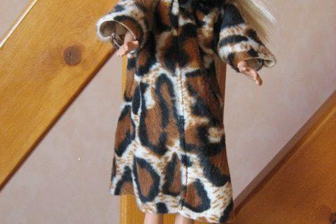 Manteau fausse fourrure Barbie